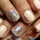 7 модных тенденций в маникюре на короткие ногти (60+ фото)
